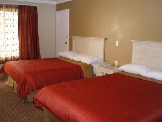 Abby's Anaheimer Inn: Queen Size beds