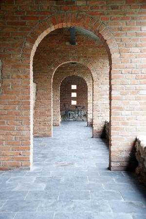 Brickyard Retreat at Mutianyu Great Wall : Hotel reception hallway