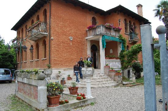 Villa Albertina: Outside view