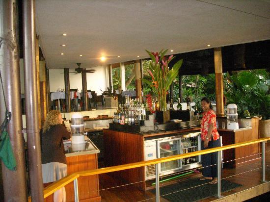 Royal Davui Island Resort: the bar and restaurant area at Royal Davui