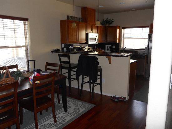 Collins Lake Resort: Kitchen lacked nothing