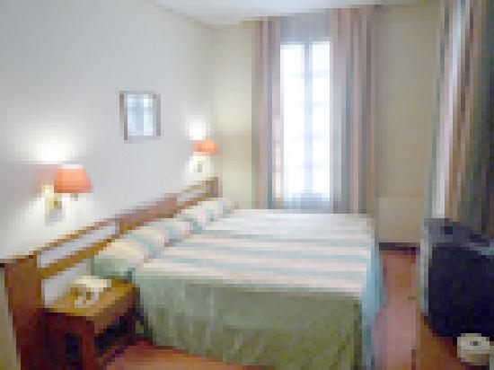 Lauaxeta: Twin room