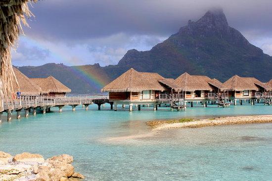 InterContinental Bora Bora Resort & Thalasso Spa: We even saw a few rainbows