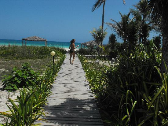 Tryp Cayo Coco: Walkway from my room