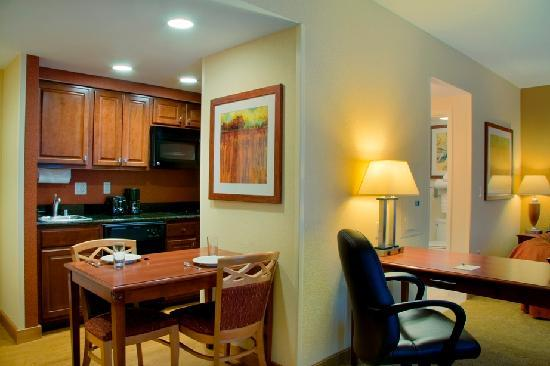 Homewood Suites Madison West: Studio Suite