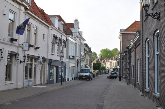 Harderwijk, Nederländerna: The hotel is located in a very quiet street