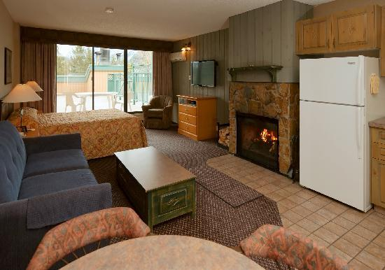 Douglas Fir Resort & Chalets: Studio Suite
