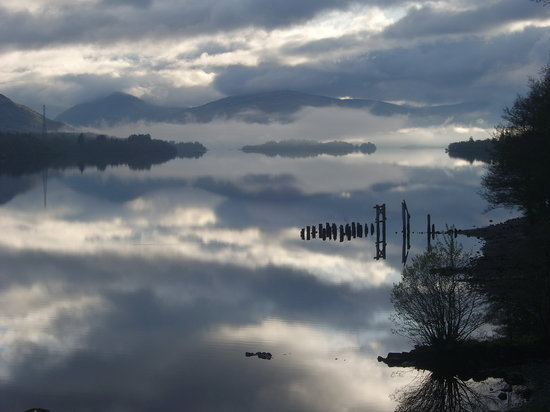 Portsonachan Hotel: misty may morn on loch awe