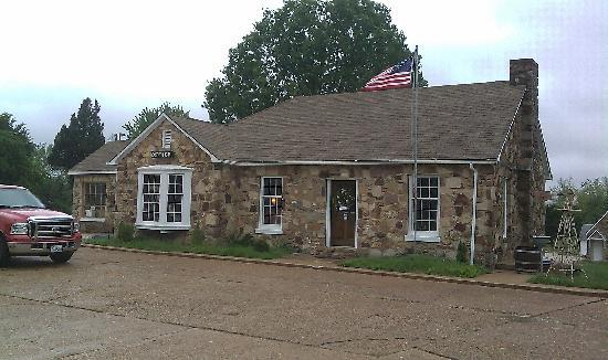 Wagon Wheel Motel: Newly remodled office / formerly the restaurant