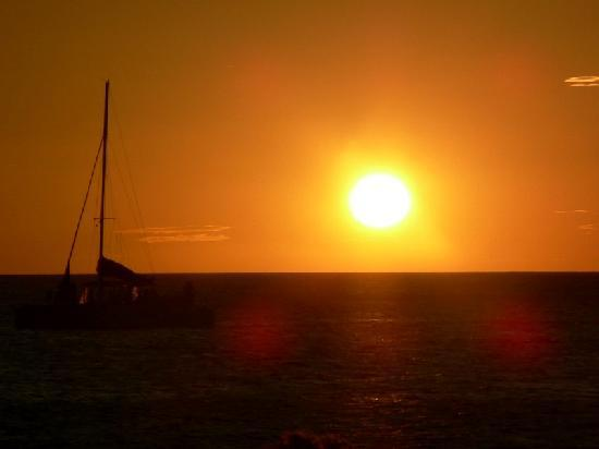 Marlin Del Rey Sailing Tours: What the Sunset Cruise is all about...