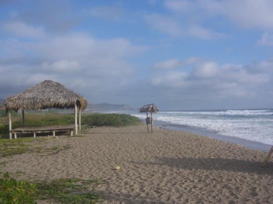 Hosteria la Barquita: beach