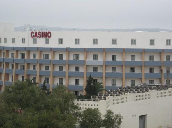 Park Lane Aparthotel: Casino, just 2 mins away