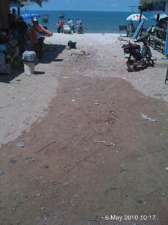 DevaRaja Villa: Ochheuteal beach