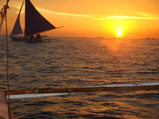 Boracay Beach Club: Perfect sunset view...