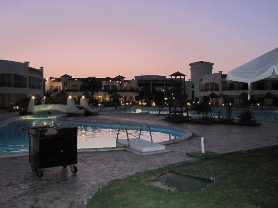 Grand Seas Resort Hostmark: Sunset