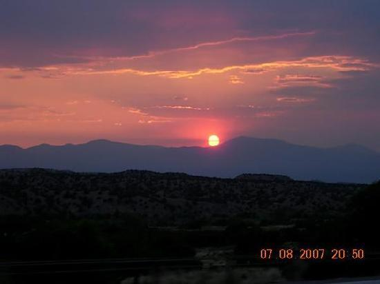 Quail Ridge Taos: A Condo Resort: Come and enjoy the sunsets