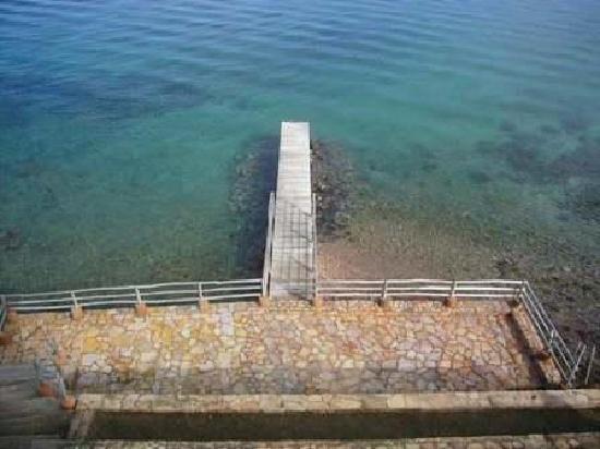 Posada Exclusiva Turpialito: La terrasse inférieure et le ponton