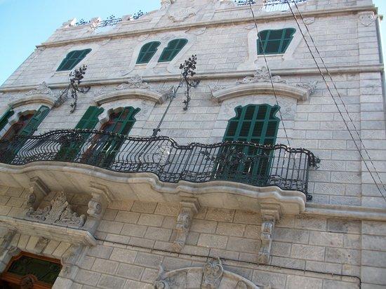 lla facade de lka can prunera: fotografía de Museu Modernista Can Prunera, Só...