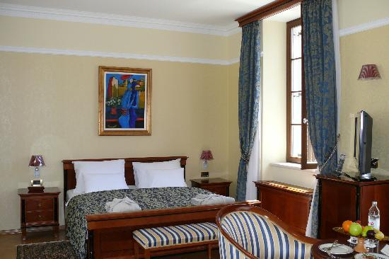 Hotel Kazbek: Our beautiful deluxe room.