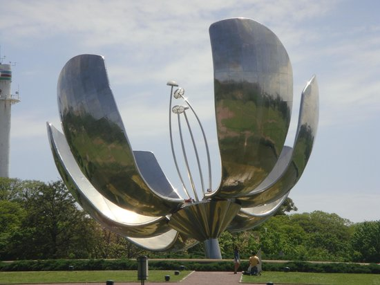 Буэнос-Айрес, Аргентина: Floralis Genérica