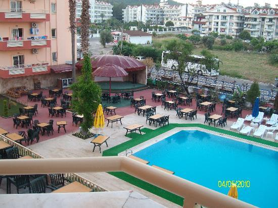 Diana Club Hotel: view of the pool