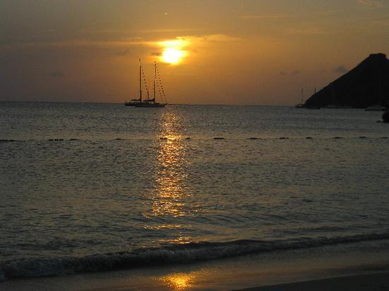 The Landings St. Lucia: sunset from the beach