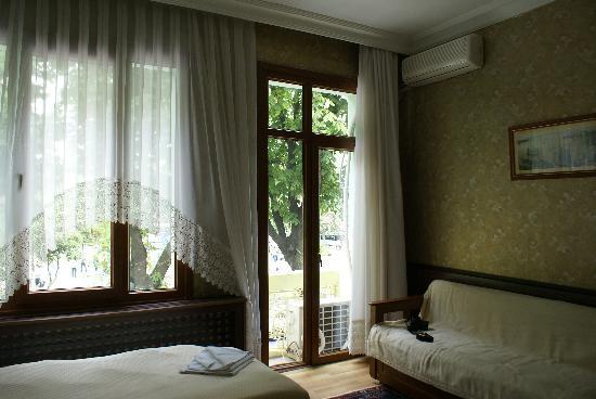 Optimist Hotel: Room 2