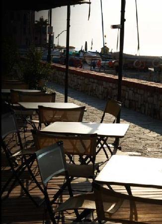 Nero di Seppia: il dehor sul mare