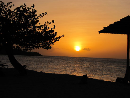 Grand Anse, Grenada: Sunset from our room