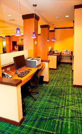 Fairfield Inn & Suites Rockford: Business Center