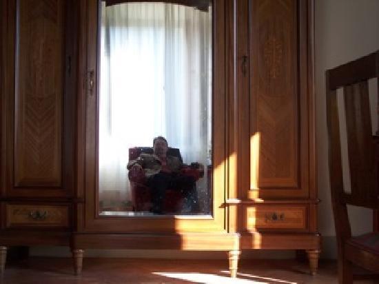 Vicchio, Italien: Furniture on a grand scale