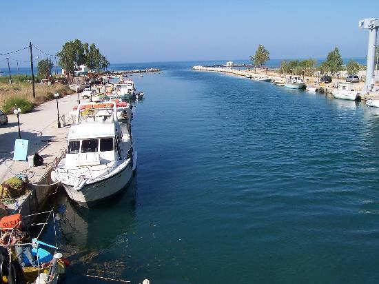 Taverna Paradise Studios & Apartments : Georgioupolis Harbour