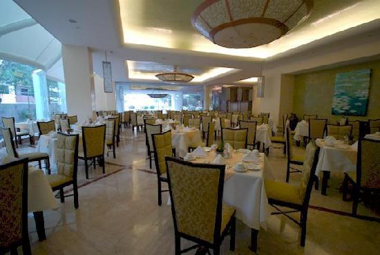 Crowne Plaza Hotel de Mexico: Buffet Restaurant