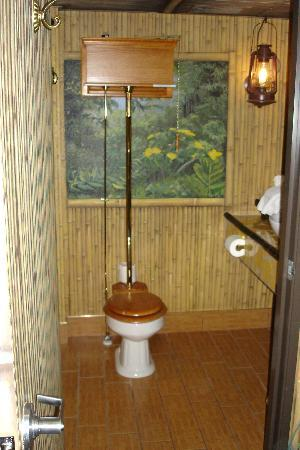 AmericInn Lodge & Suites Rexburg - BYU: Bathroom of Kilomanjaro