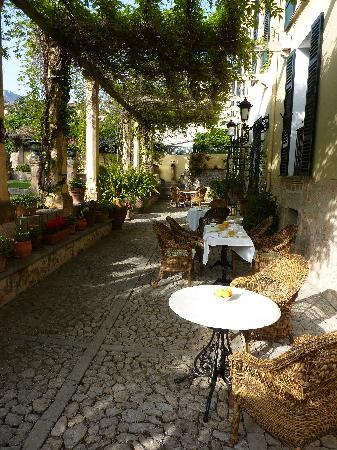 Hotel Salvia - Adults Only: Breakfast on the Terrace