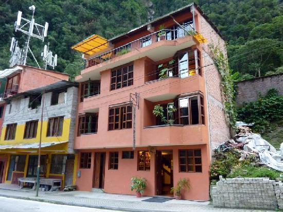 Hostal Plaza: Exterior