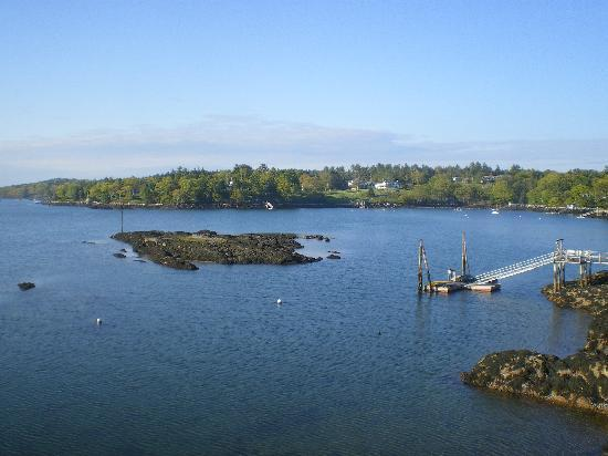 Ocean Gate Resort: From our balcony...dock belongs to resort