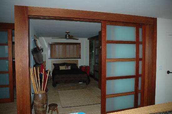 Coastline Cottages: master bedroom