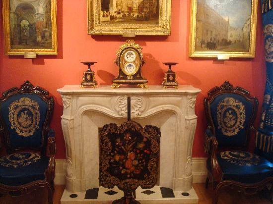 Museo del Romanticismo : chimenea.