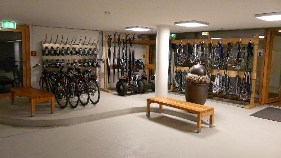 Hotel das Kranzbach: Fahrrad, Ski, Schneeschuhverleih