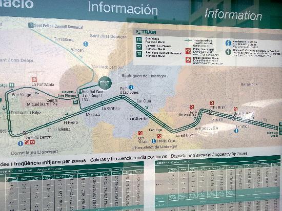 Novotel Barcelona Sant Joan Despi: cuadro de TRan y metro