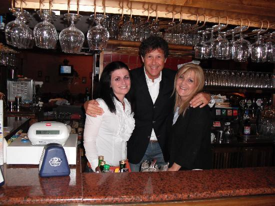 Hotel D'annunzio: Suela,Maurizio and Monica at the Bar