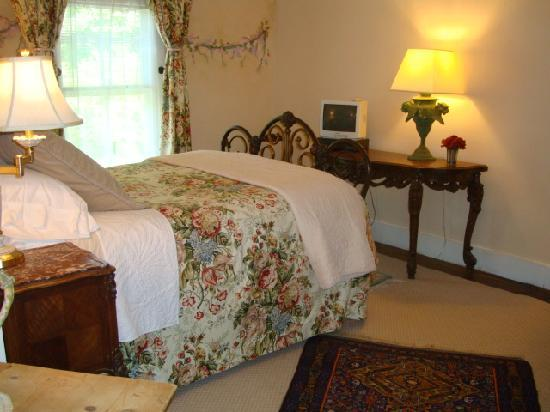 Mainstay Inn: Meadow Lane Guest Room