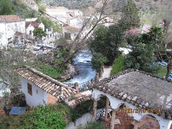 Molino del Santo: waterfall beside Molino