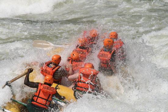 Safpar Rafting Company : wheres the raft??