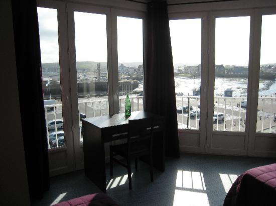 Hotel Le Riche Lieu : autre vue partielle de la chambre