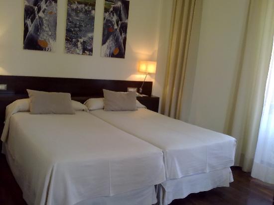 Hotel Balneario & Golf Club Guitiriz: HABITACION