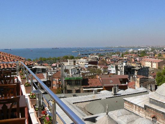Dara Hotel Istanbul: terrasse 1