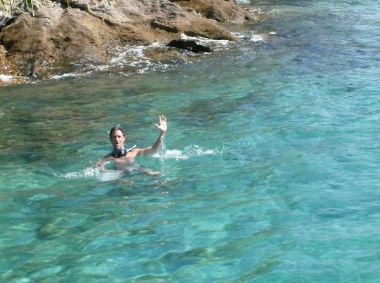 Pousada Tapera das Palmas: Nadando en el mar de la posada después de desayunar