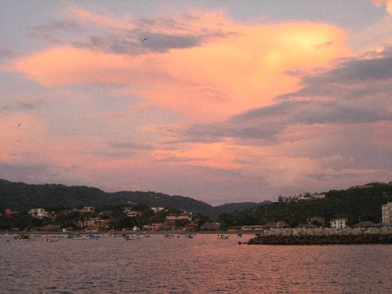 Hostel Pachamama: San Juan sun set.